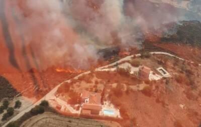 Ведется расследование причин сильного пожара в районе Пафоса