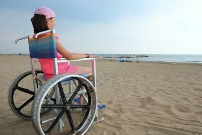 Пляжи Кипра становятся всё доступнее для инвалидов-колясочников