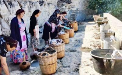 В Криту Терра возродили ритуал стирки белья