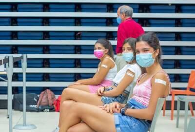 Правительство Кипра разрешило подросткам 12-17 лет не ходить в школу в день вакцинации