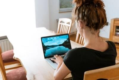 С 4 октября заявки на пособия для матерей-одиночек на Кипре можно будет подавать онлайн