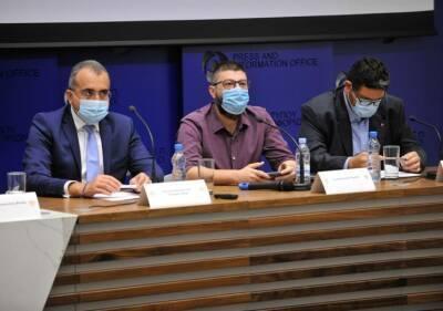 Кипр: общество раскололось на противников и сторонников вакцинации