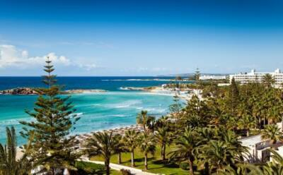 Туристы возвращаются на Кипр
